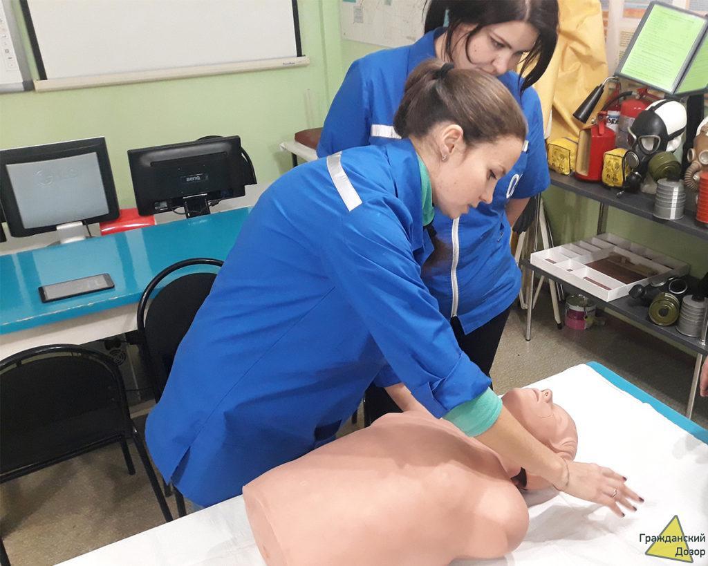 Гражданский Дозор и Молодогвардейцы прошли инструктаж по оказанию доврачебной медицинской помощи утопающим в холодной воде.