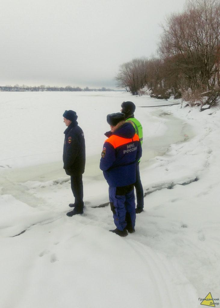 Опасность нахождения на льду очень актуальна.